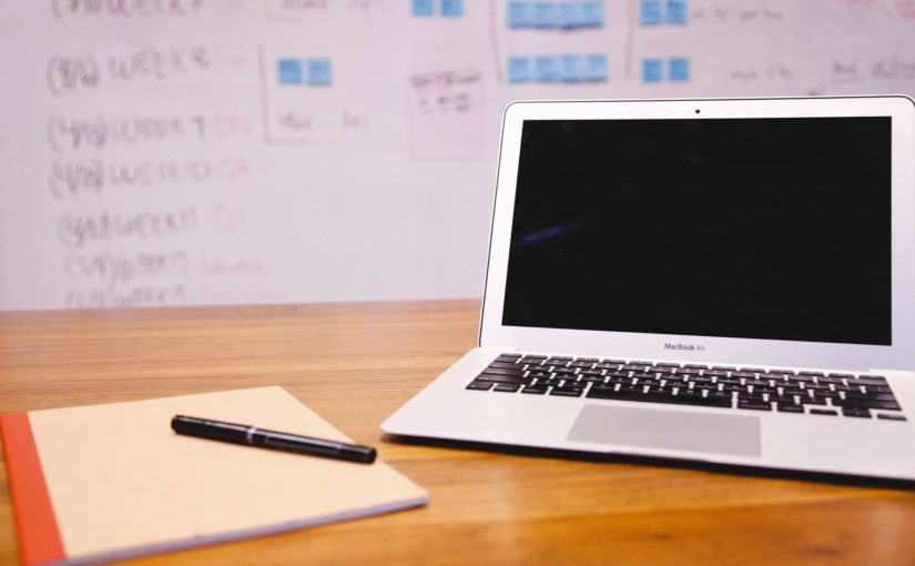 Macbook Air, Whiteboard - via Pexels.com